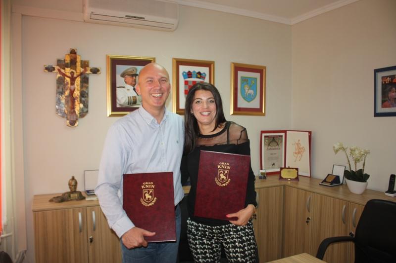 Grad Knin i Fakultet građevinarstva, arhitekture i geodezije Sveučilišta u Splitu potpisali sporazum o pružanju stručne i znanstvene potpore