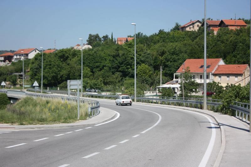 Gradu Kninu odobrena sredstva za izradu projektne dokumentacije i nabavu komunalne opreme