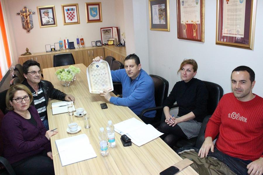 Hrvatska obrtnička komora dodijelila Povelju Gradu Kninu