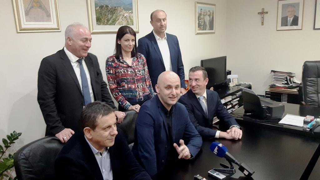 Ministar Tolušić u Kninu najavio milijunske projekte; Opet kreće obnova zgrada