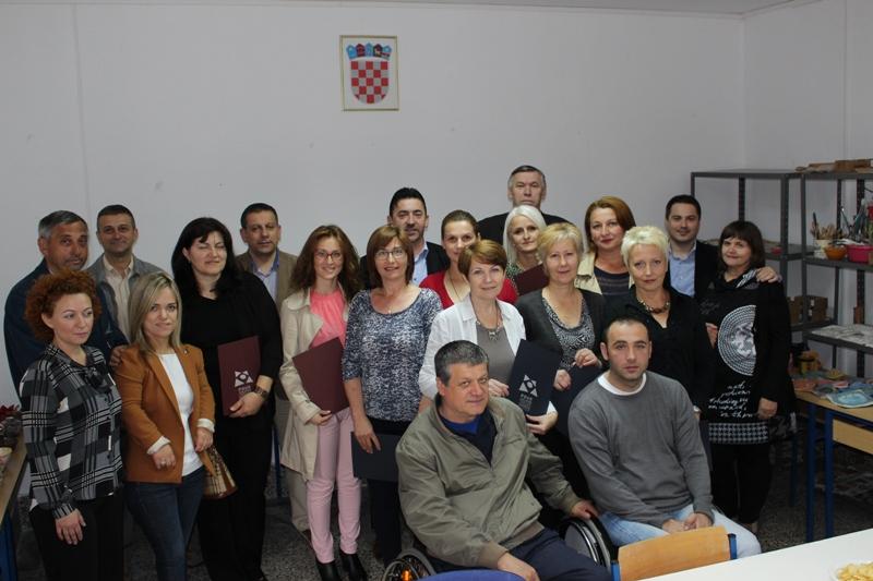 Svečanost u Pučkom otvorenom učilištu povodom završetka programa osposobljavanja za poslove oblikovanja dekorativnih predmeta od gline