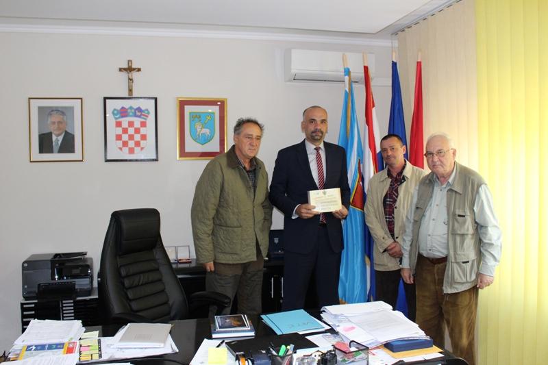 Održan sastanak u cilju suradnje i razvoja kinologije i lovstva na području Grada Knina i okolnih općina