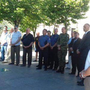 """U povodu Dana državnosti položeni vijenci kod spomenika """"Oluja 95"""""""