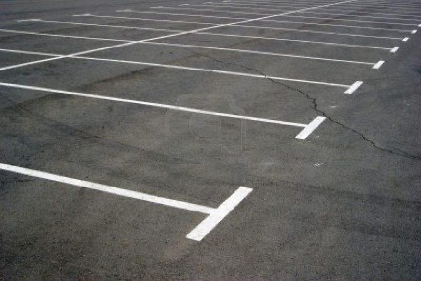 """Označavanje parking mjesta na parkingu HŽ-a kod """"Robne kuće"""""""