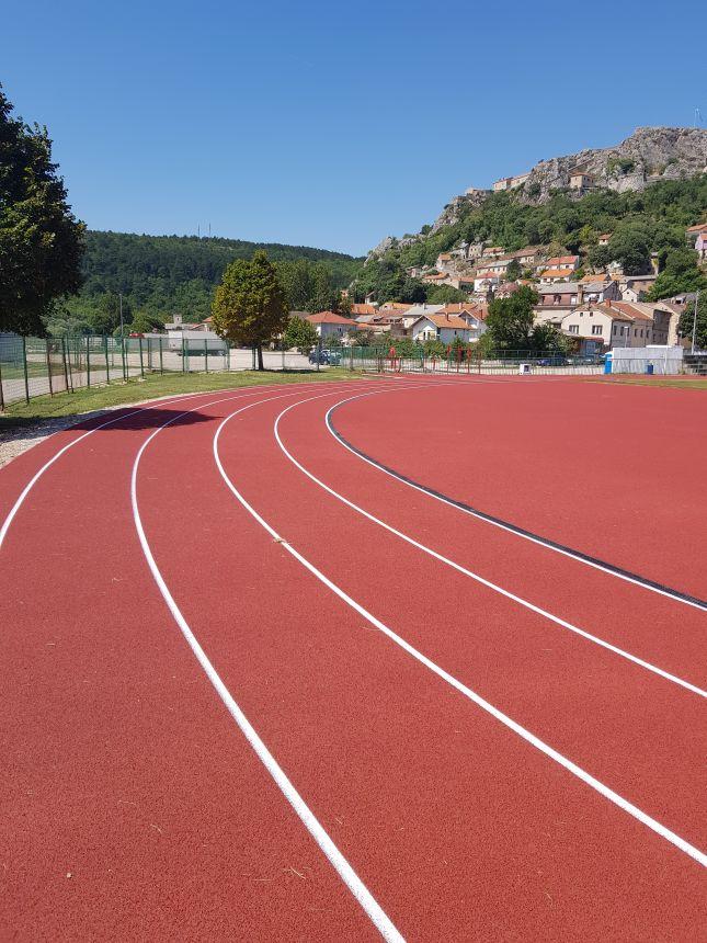 Odgoda otvaranja atletske staze i Erste Plave lige