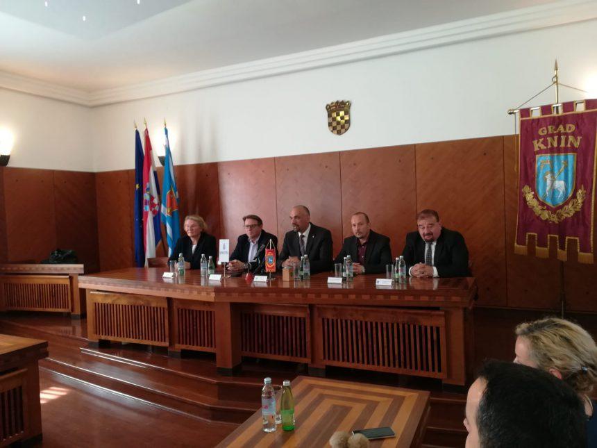 Potpisan ugovor o modernizaciji javne rasvjete