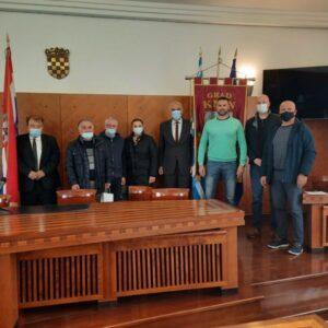 Sastanak čelnika grada Knina sa predstavnicima rukometne akademije za djevojčice