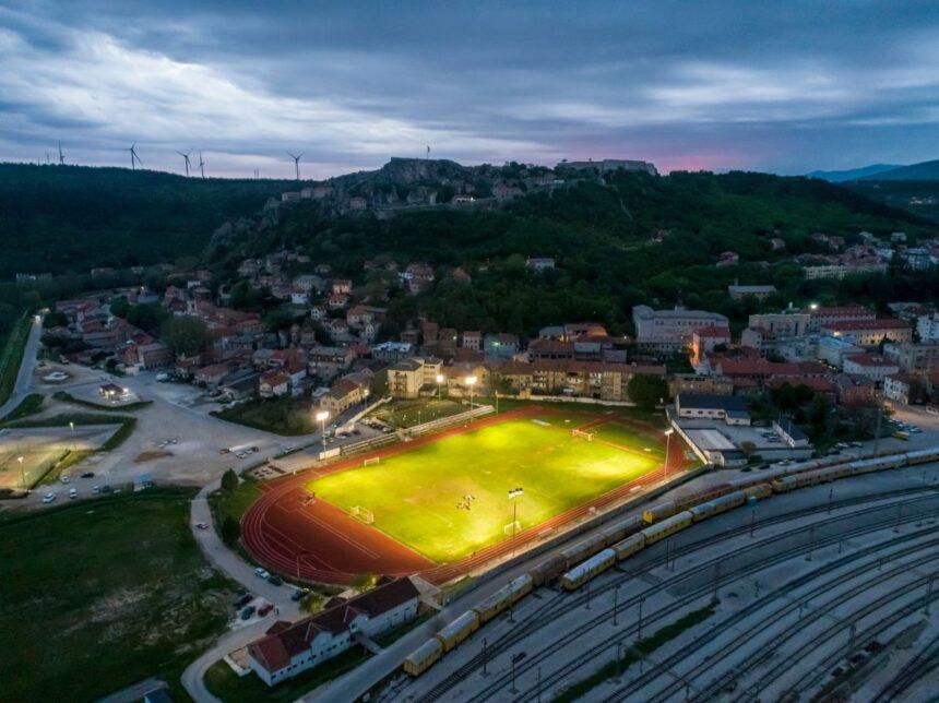 Nakon 108 godina Dinarino igralište dobilo je reflektore