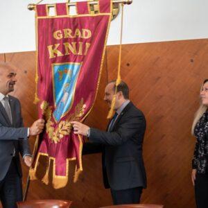 Primopredaja vlasti u Gradu Kninu